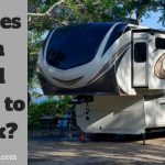 How does a Fifth Wheel connect to a Truck?